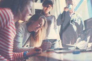 Pioneers into practice: asiantuntijavaihto vähähiilisen yhteisön rakentajana